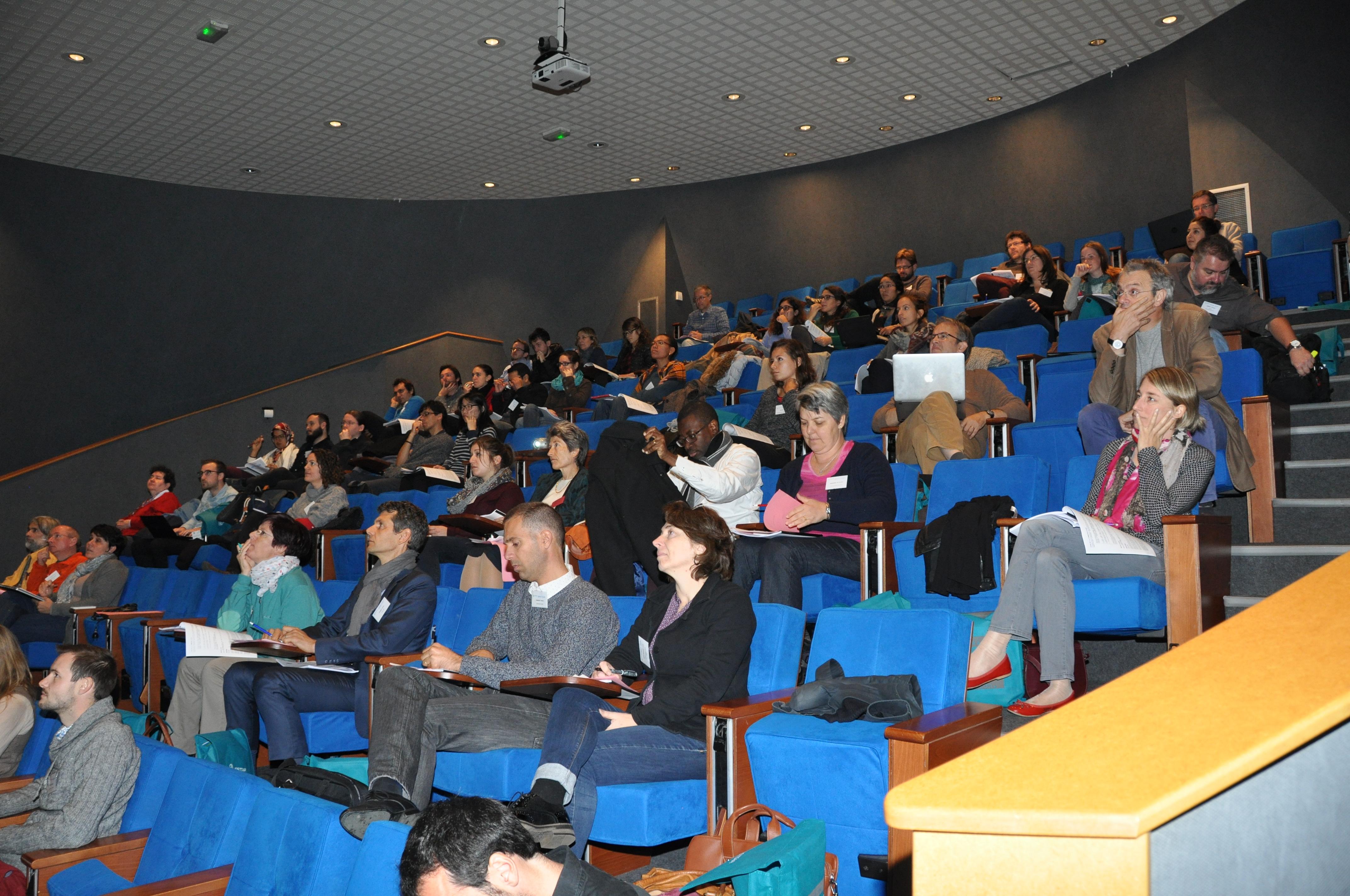 Des participants attentifs aux JDHU!